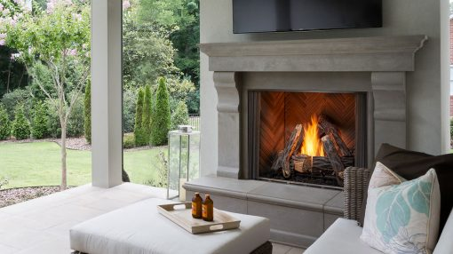 Majestic Courtyard Gas Fireplace